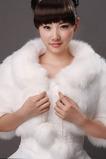 Svatební šátek s rukávem Juiliet Cold Feather Room 1/2 Channel