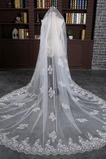 Svatební závoj pokrytý čipkou bílé krajky látkové krajky