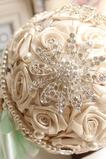 Diamond svatební perla svatební fotografie rozložení nápady dekorace drží květiny