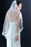 Svatební závoj Elegantní krajka krátká s hřebenem podzimní slonoviny