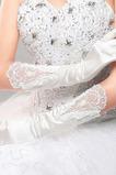 Svatební rukavice Červený dlouhý hedvábný ceremoniál Celý prst Studený