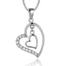 Stříbrné srdce ve tvaru žen krátký vložený diamantový náhrdelník