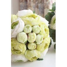 Listy jsou zelené svatební hospodářství květiny družička drží květiny