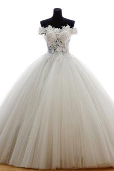 Tyl Plesové šaty Rovné rameno Zamést vlak Formální Svatební šaty