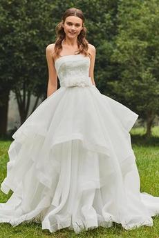 Neformální Soud vlak Přirozeného pasu Bez rukávů Svatební šaty
