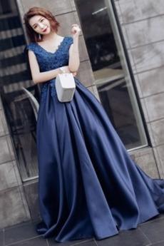 Satén Dlouhý Míč Krajkou Overlay Víčko Přirozeného pasu Promové šaty
