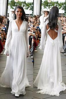 Bezzadu Trojúhelník Pláž V-krk Délka podlahy Elegantní Svatební šaty