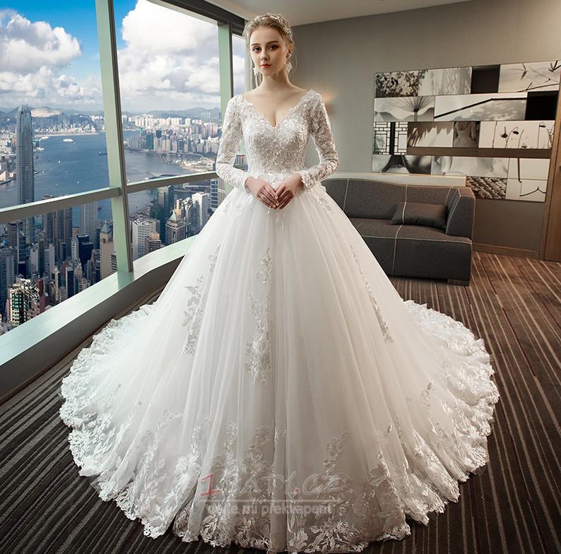 Čipka svatební šaty